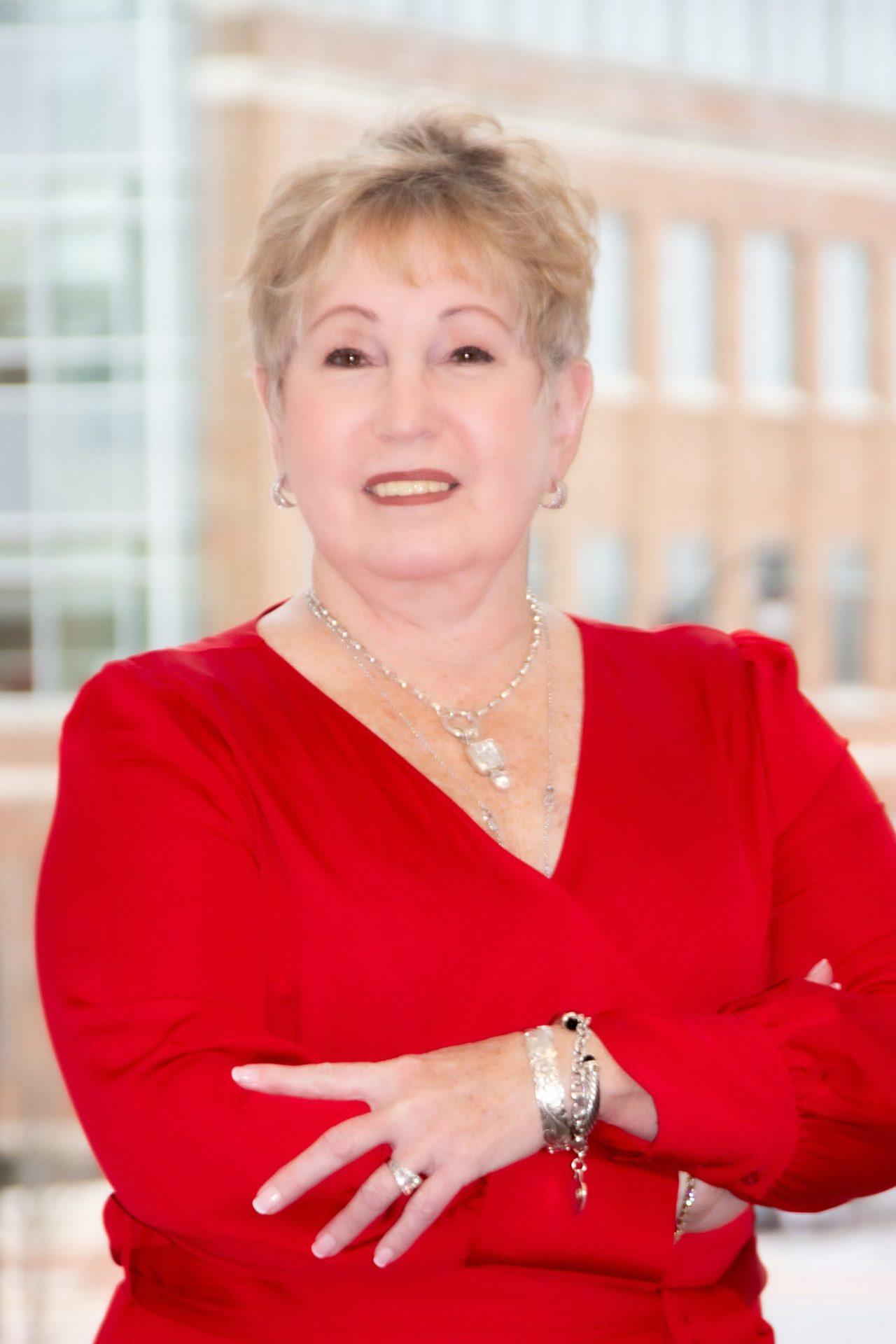Linda Ostovitz Headshot 3