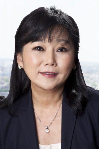Susie Kim Headshot Temp