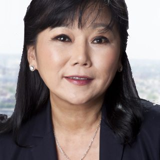 Susie Kim Headshot Temp