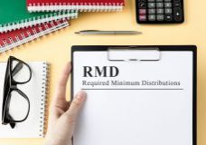 Paper,With,Rmd,On,A,Table,Business,And,Financial,Concept