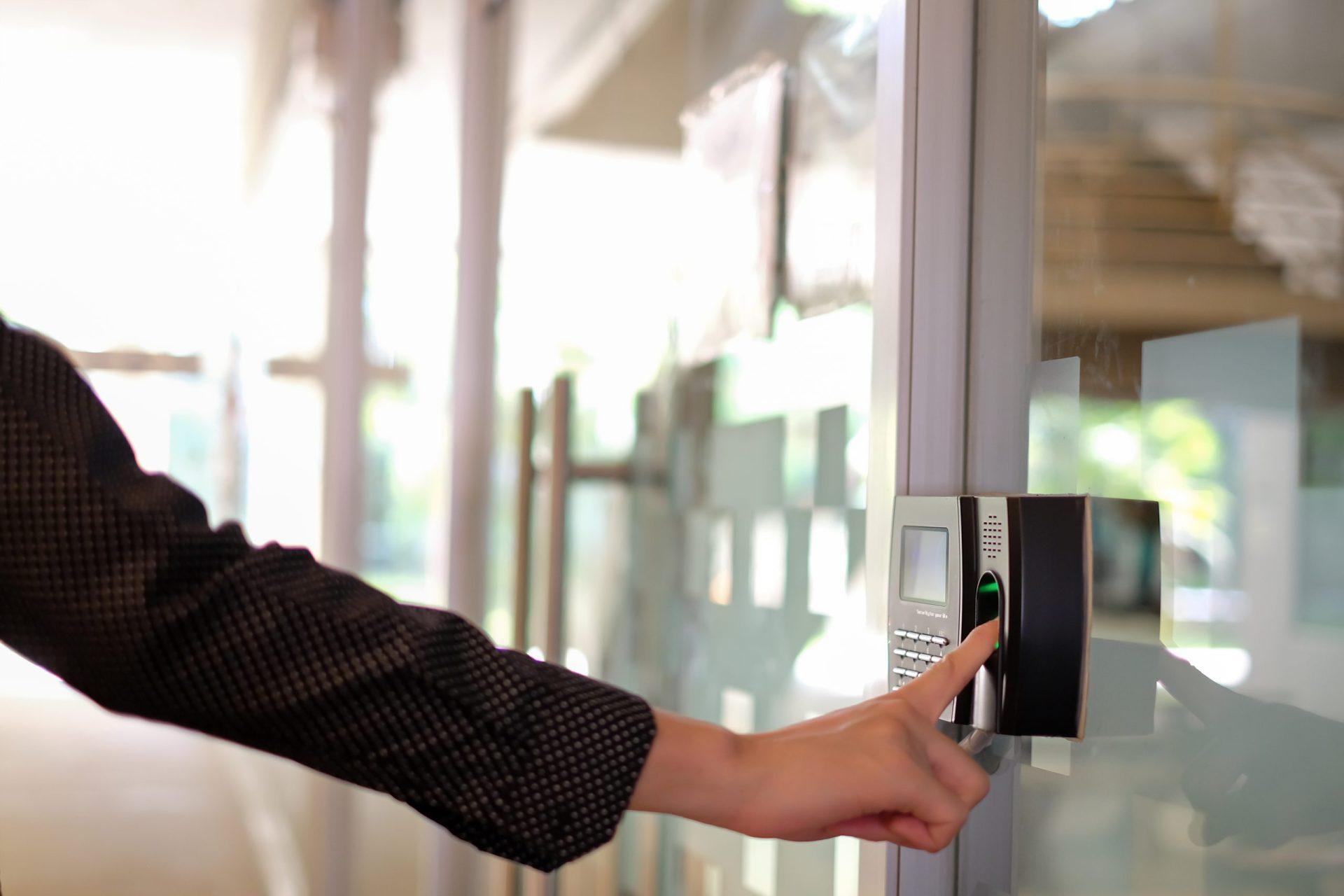 Track,Employee,Hours,Using,Biometric,Fingerprint,Scanner.